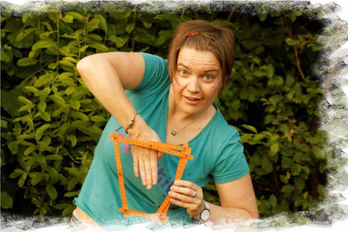 biblische Geschichten mit Zollstock erzählen - Hand